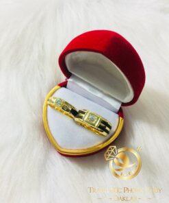 Cặp nhẫn vàng đính kim cương 1 – 2 lông làm tay RIOGEMs