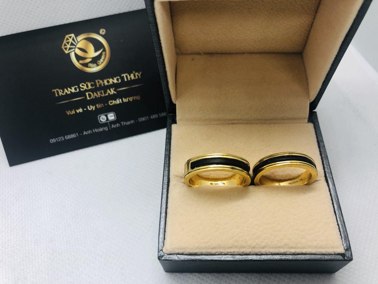 Kiểu nhẫn lông đuôi voi đẹp 2 viền khắc vàng 18K
