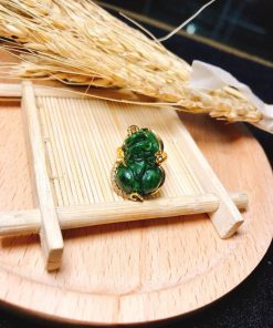 Mặt dây đá quý lên vàng RIOGEMs được chau chuốt tỉ mỉ