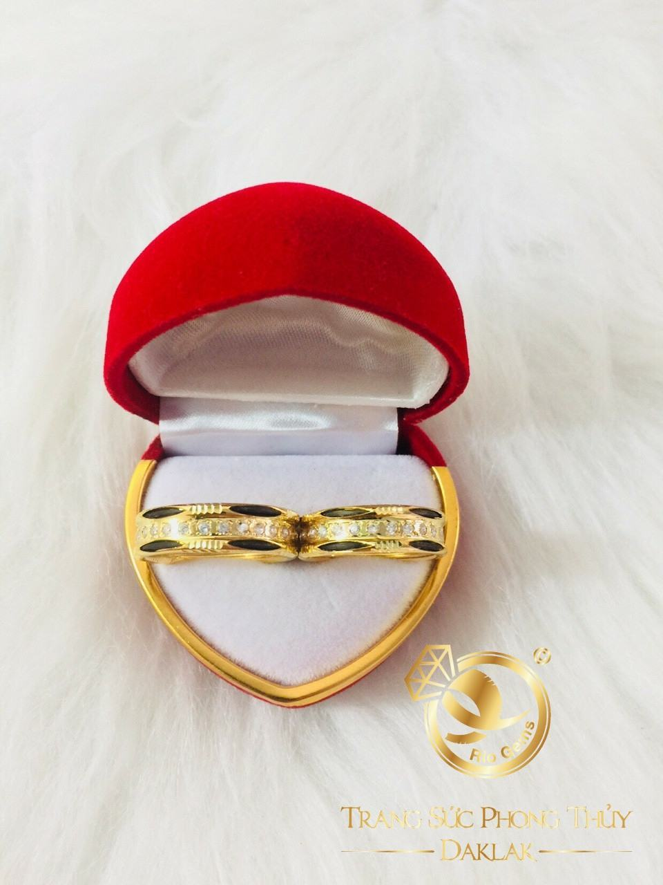 Nhẫn 2 lông voi đính đá tấm phong thủy RIOGEMs - Lựa chọn hoàn mỹ dành cho các cặp đôi