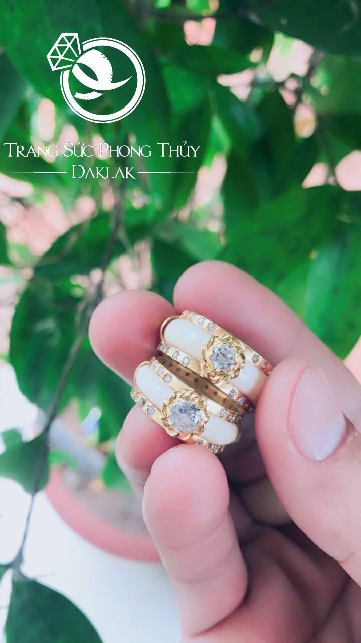 Nhẫn cưới lông voi đẹp đính đá may mắn