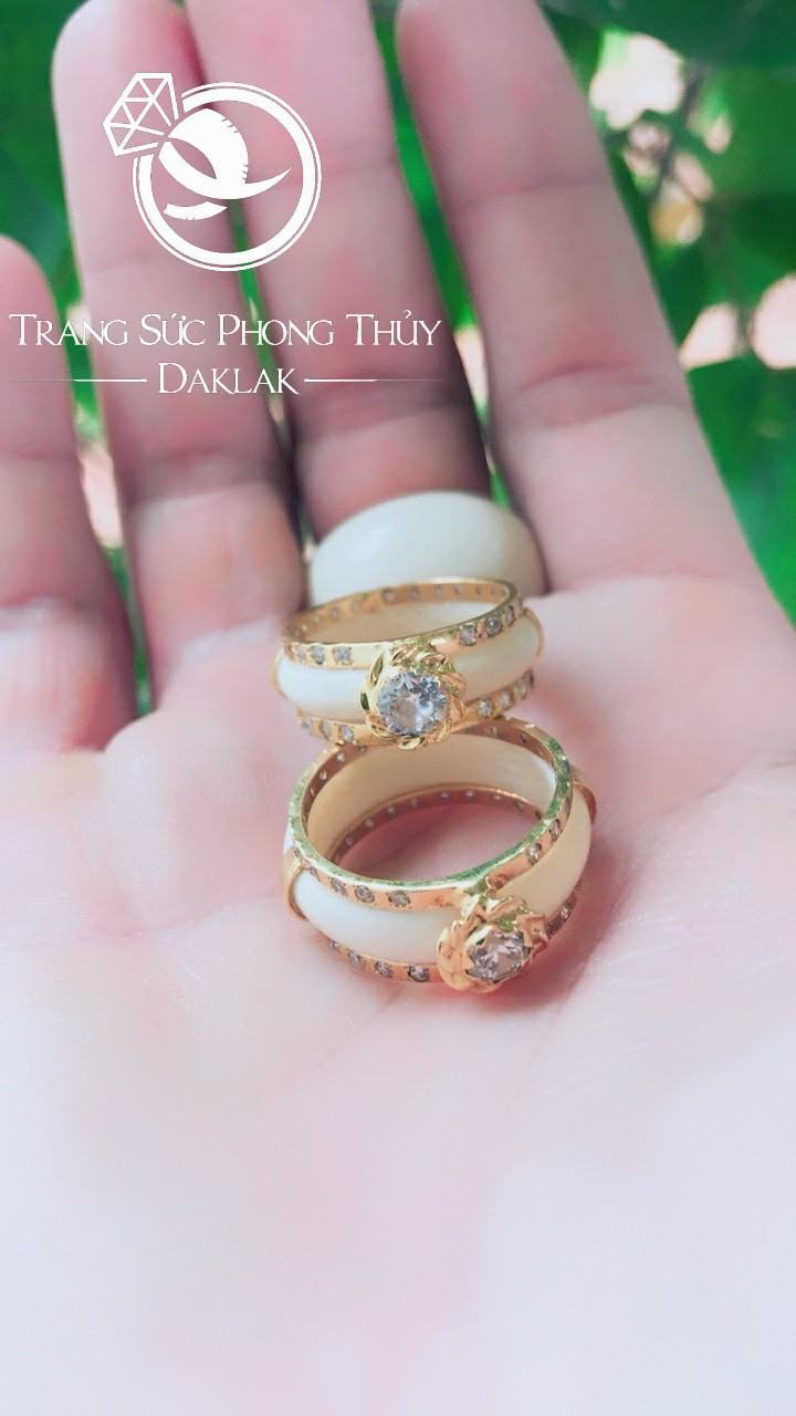 Nhẫn cưới lông voi đẹp đính đá Riogems