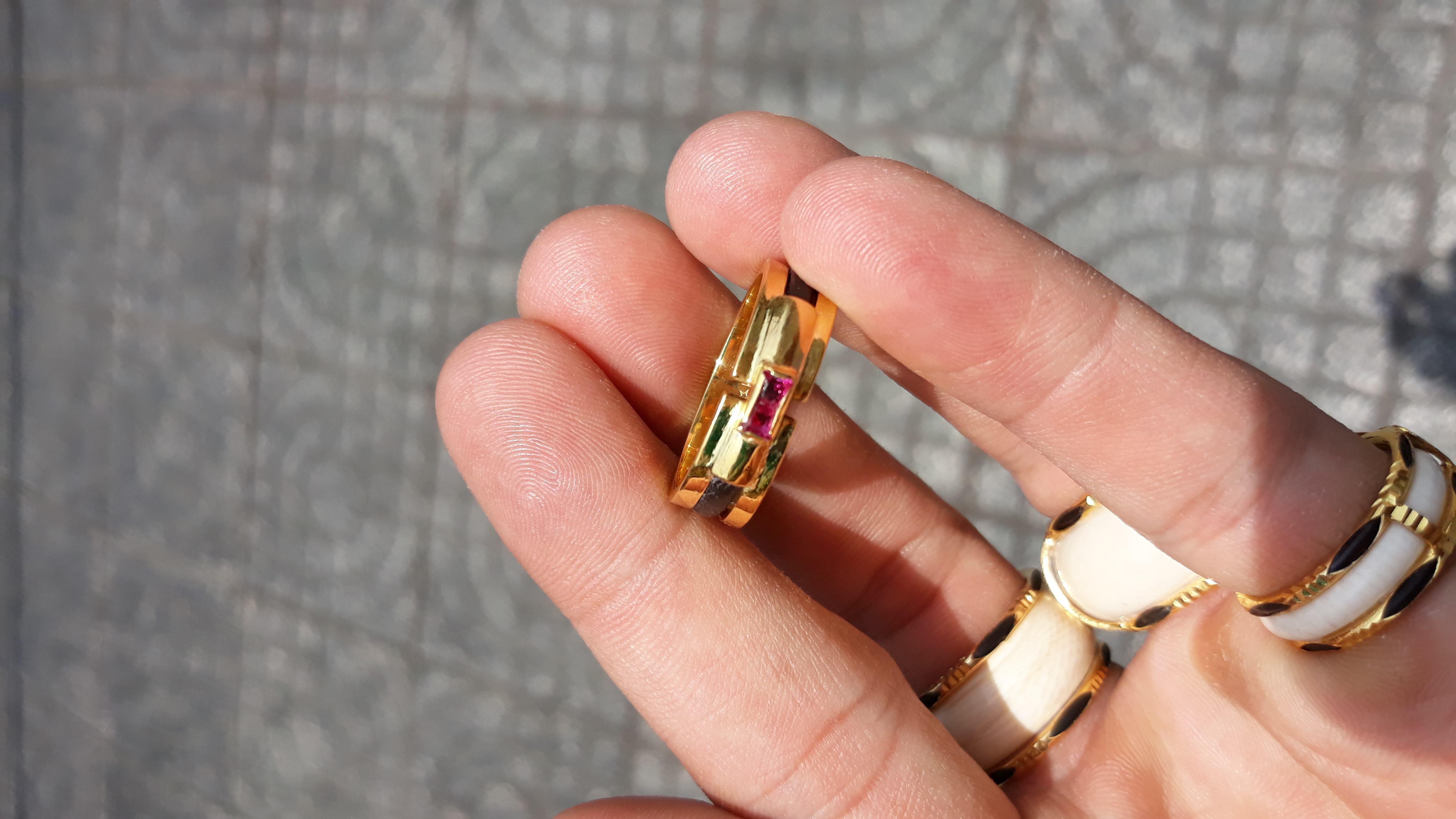 Nhẫn lông voi đơn vàng 18k đá đỏ cao cấp