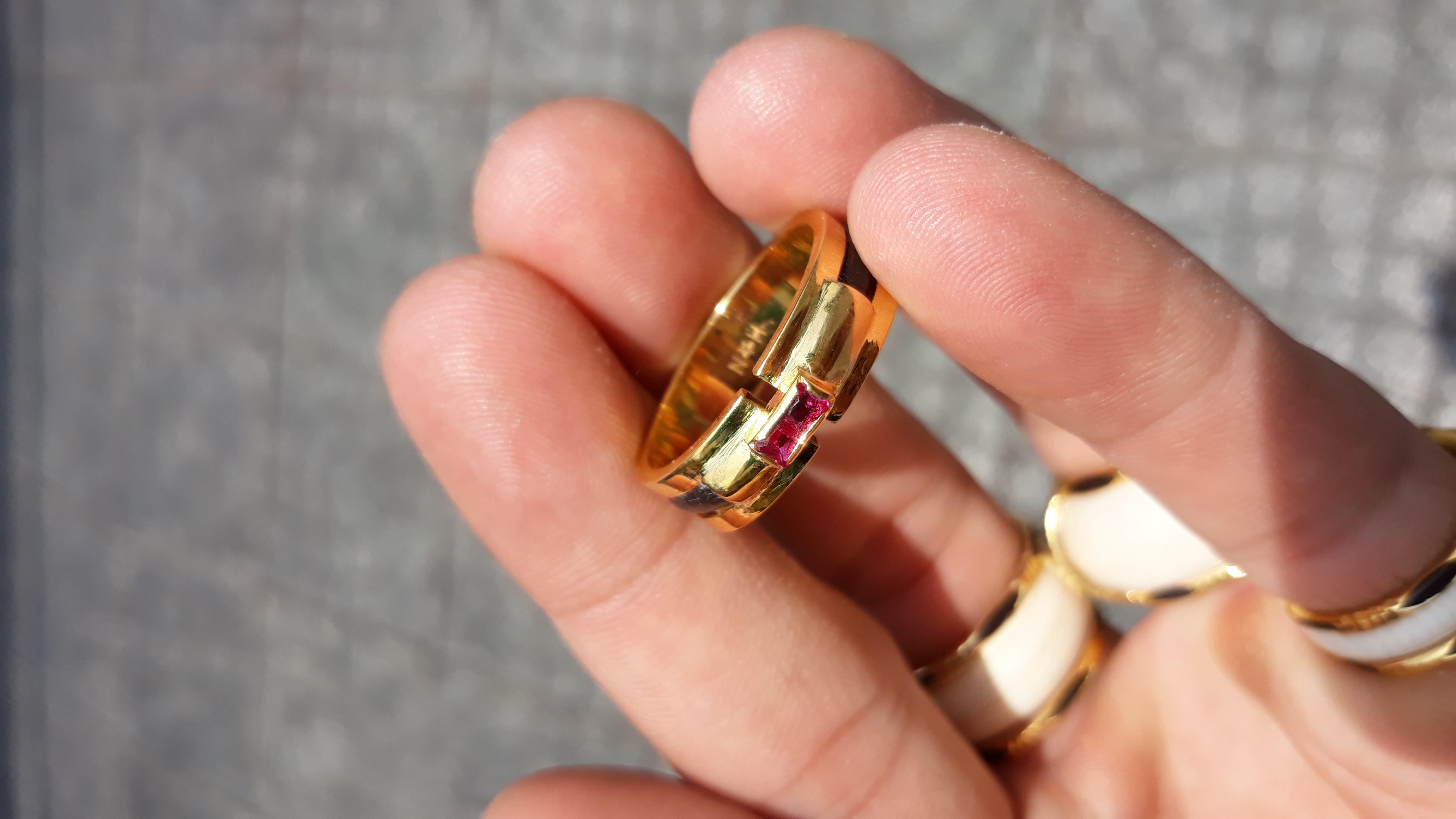 Nhẫn lông voi đơn vàng 18k đá đỏ hot