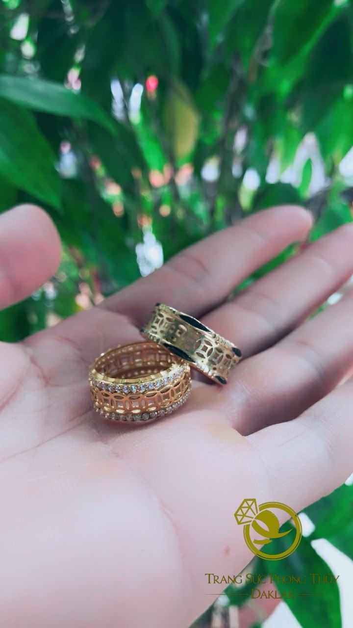Nhẫn lông voi kim tiền nữ đính ngọc chất