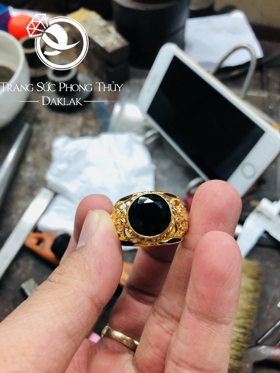 Nhẫn lông voi vàng may mắn song long tranh châu đen đẹp