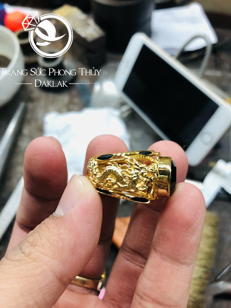Nhẫn lông voi vàng may mắn song long tranh châu đen rẻ
