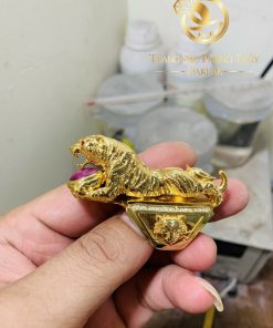 nhẫn vàng hình con hổ