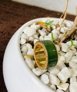 nhẫn ngọc bích bọc vàng 2 hoa văn phong thủy