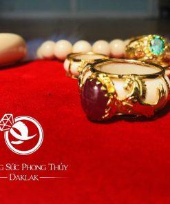 Nhẫn 2 ngựa vàng 18K đính Sapphire đỏ cực chất và sang trọng