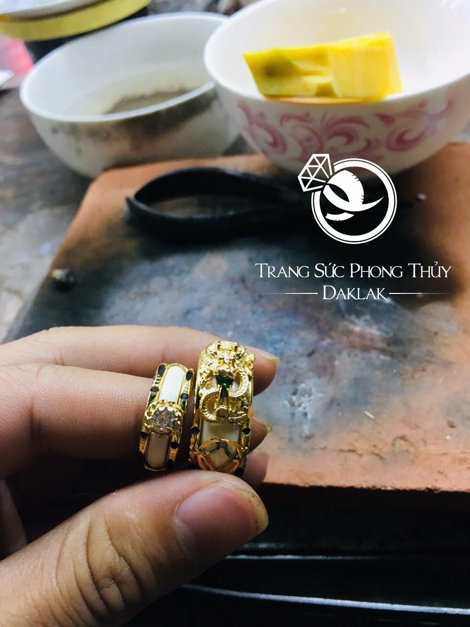 Nhẫn vàng phong thủy giá rẻ 2 bò cạp chất lượng