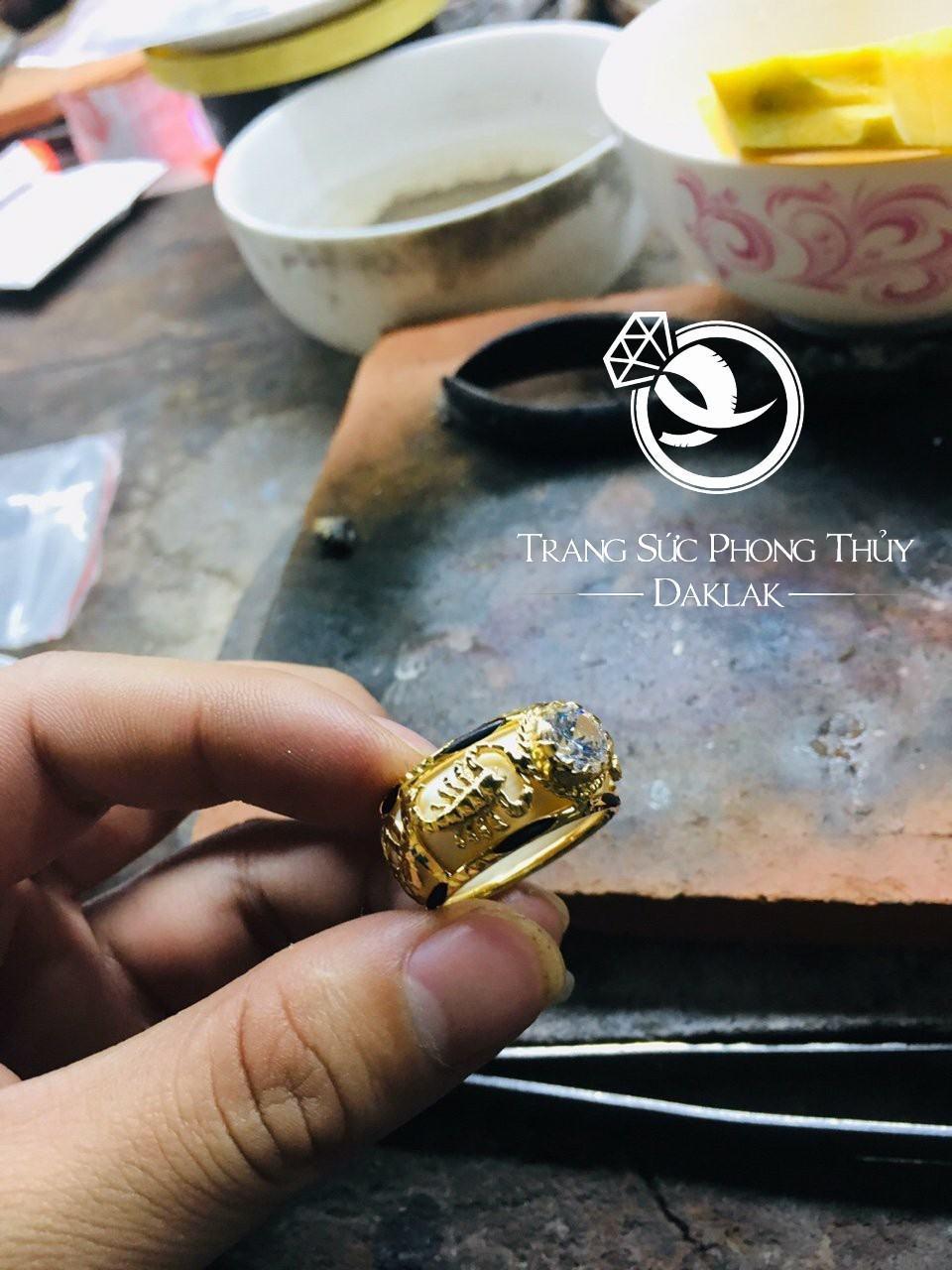 Nhẫn vàng phong thủy giá rẻ 2 bò cạp đẹp