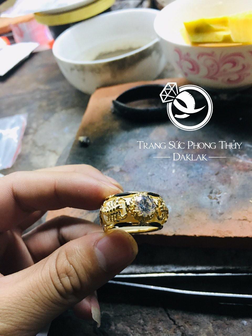 Nhẫn vàng phong thủy giá rẻ 2 bò cạp giá rẻ