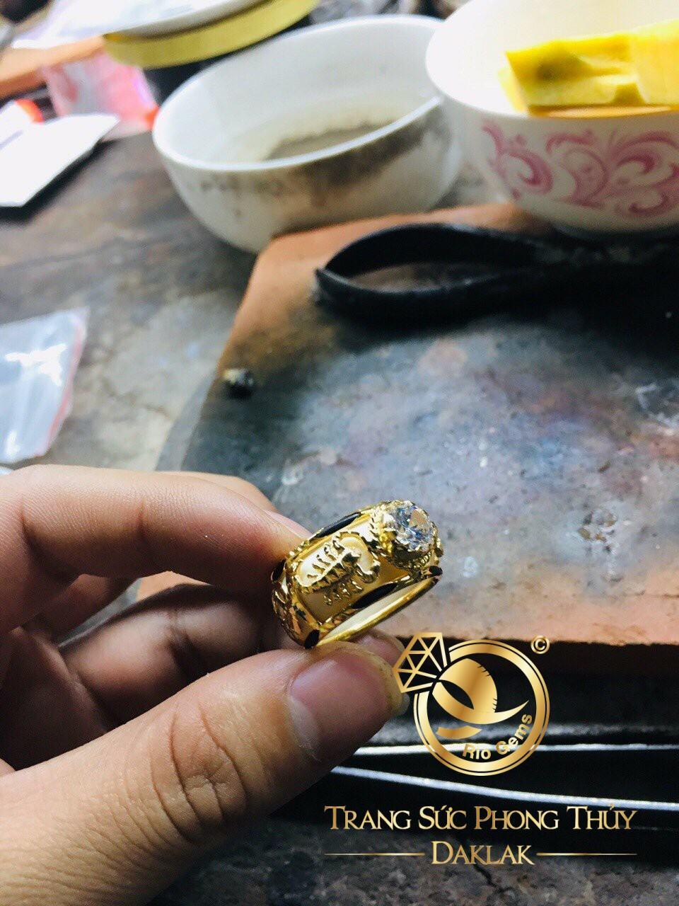 Nhẫn vàng phong thủy giá rẻ 2 bò cạp uy tín