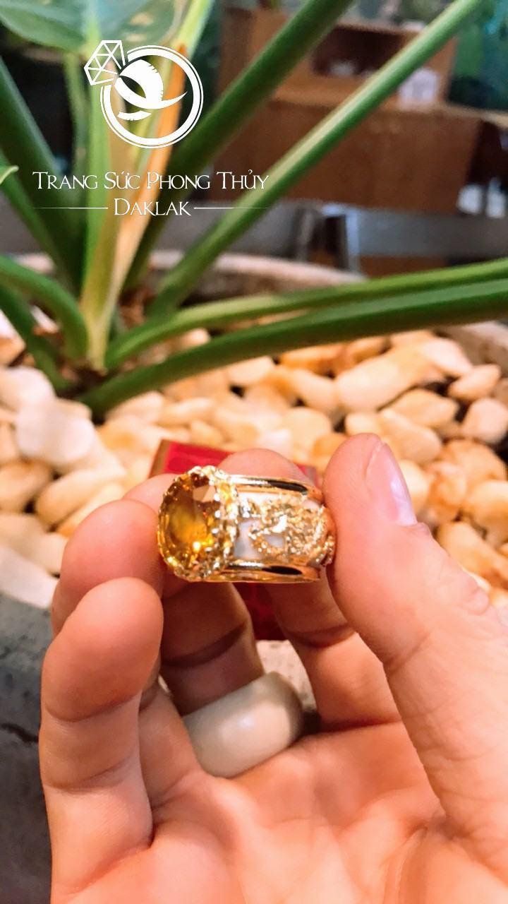 Nhẫn phong thủy cho nam lông voi đá vàng riogems