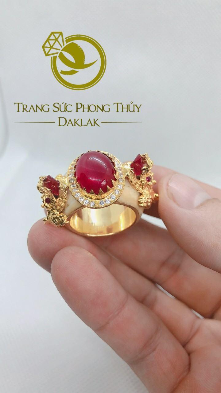 Nhẫn rồng trong phong thủy hình 3D đá đỏ đẹp