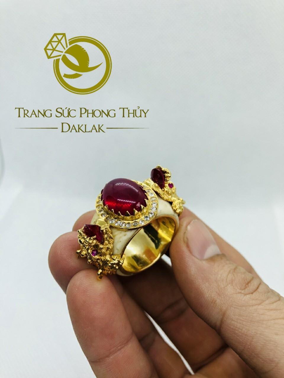 Nhẫn rồng trong phong thủy hình 3D đá đỏ giá rẻ