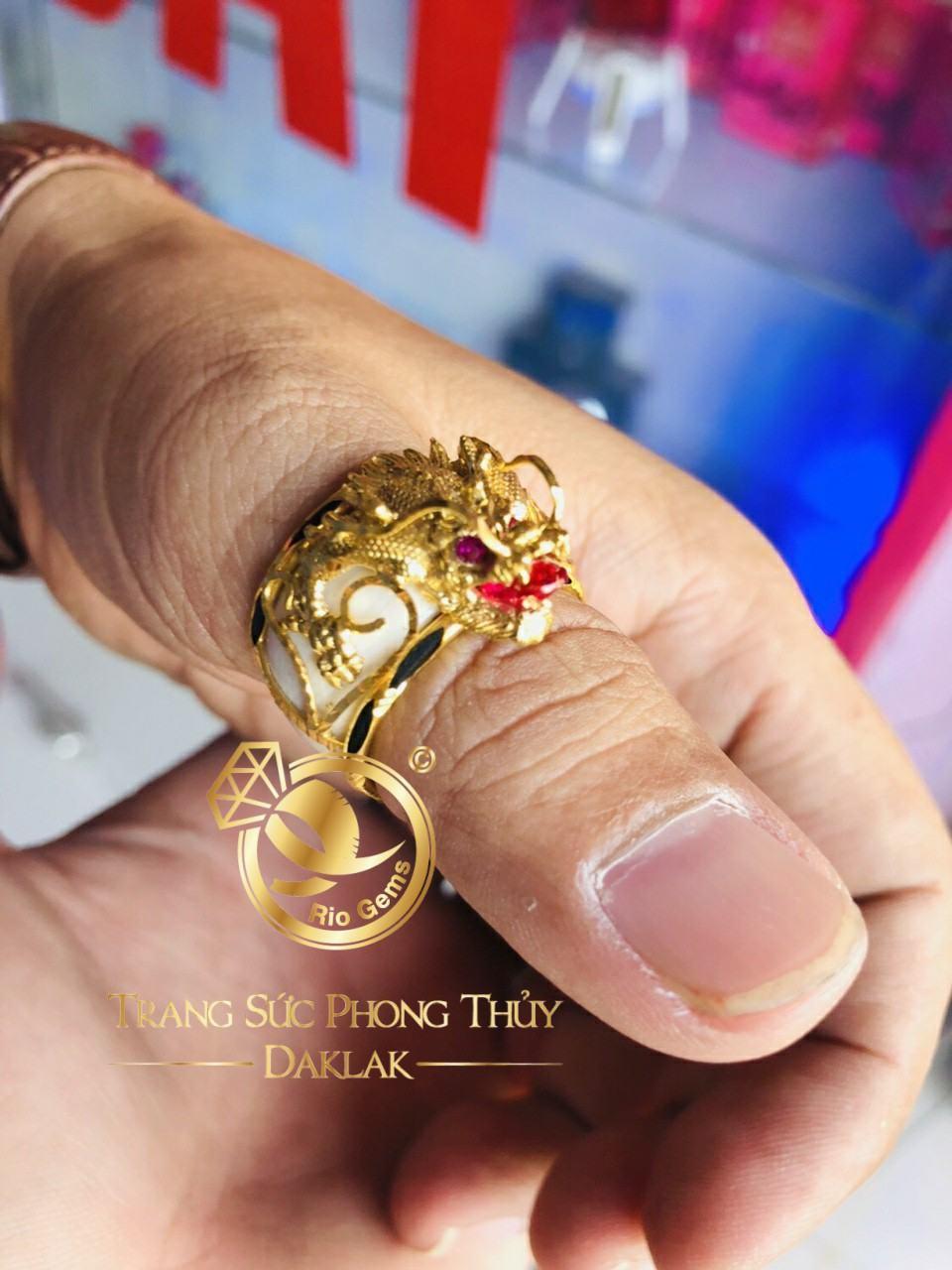 Nhẫn phong thủy đẹp rồng 3D vàng gia công tinh xảo