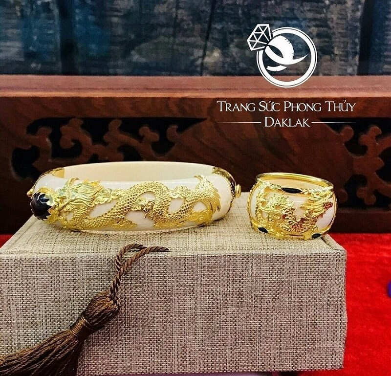Nhẫn phong thủy rồng bay vàng 18K (đeo ngón cái, Nhẫn trắng FAKE) giá trị