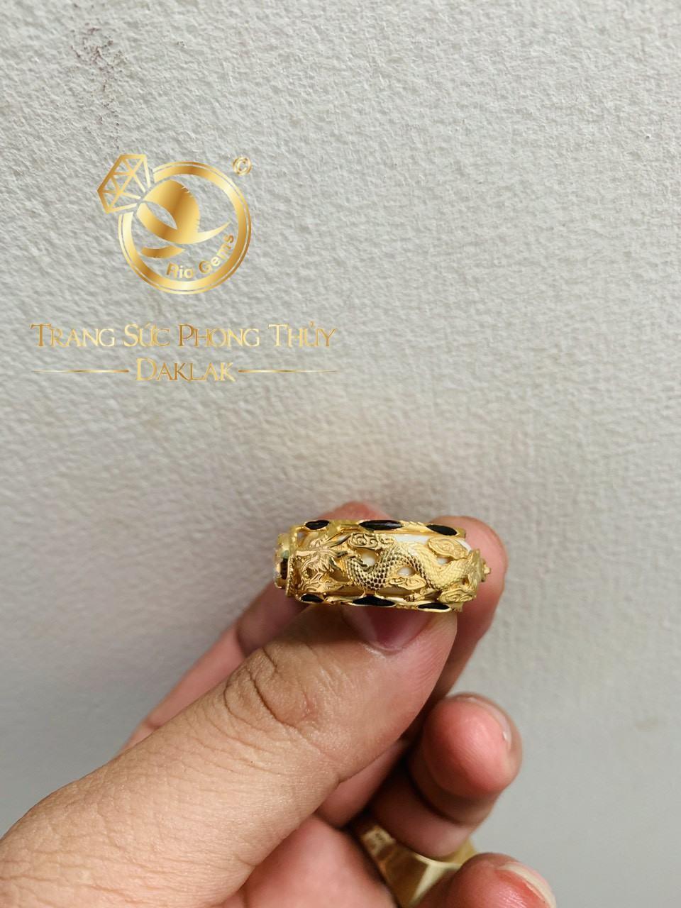 Nhẫn phong thủy Rồng Rồng vàng 18K chầu ngọc Cz trắng tinh tế