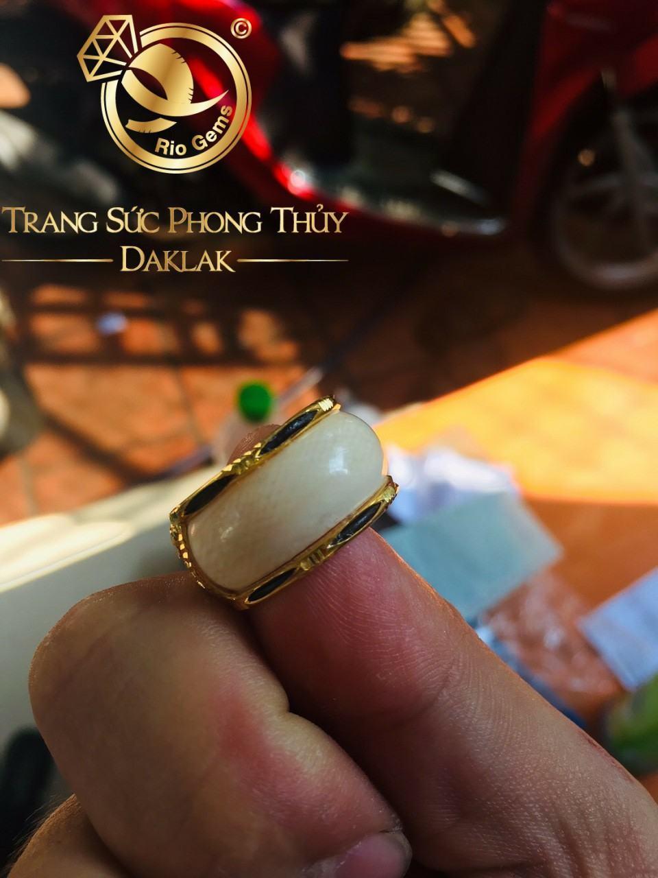 Nhẫn vàng phong thủy giá rẻ rồng ngang lông voi