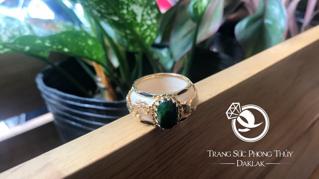 nhan rong phung vang 18k saphire xanh luc phong thuy