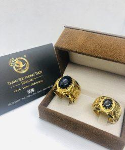 Nhẫn Rồng Rồng vàng 18K đính đá Sapphire hợp phong thủy có luồng 2 lông RIOGEMs