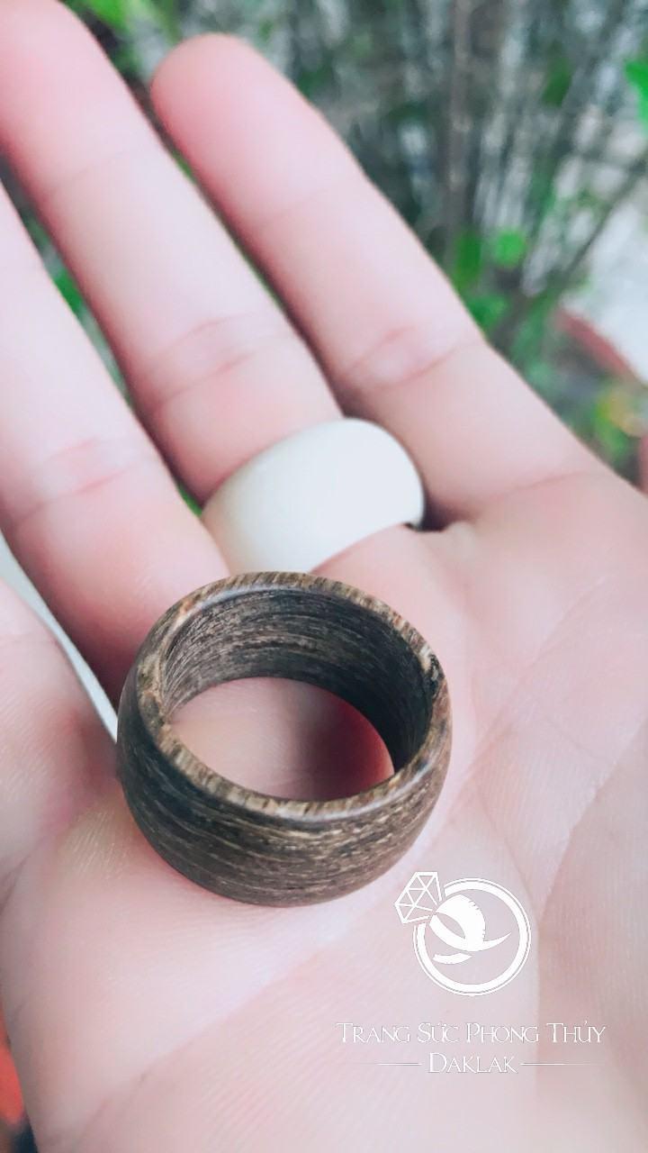 nhẫn trầm hương bảng bo