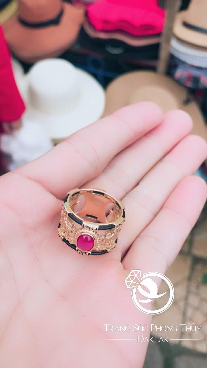Nhẫn vàng 2 lông voi song long Rubi đẹp