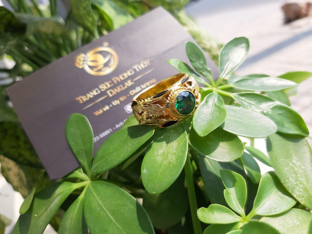 Nhẫn lông voi đính đá xanh lục song long đẹp