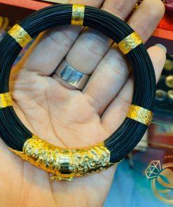 Vòng tay lông voi bọc vàng RIOGEMs được làm từ 79 sợi lông voi Bôn Đôn