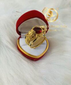 Nhẫn tỳ hưu vàng 3D đính Garnet phong thủy mệnh HỎA – THỔ Riogems