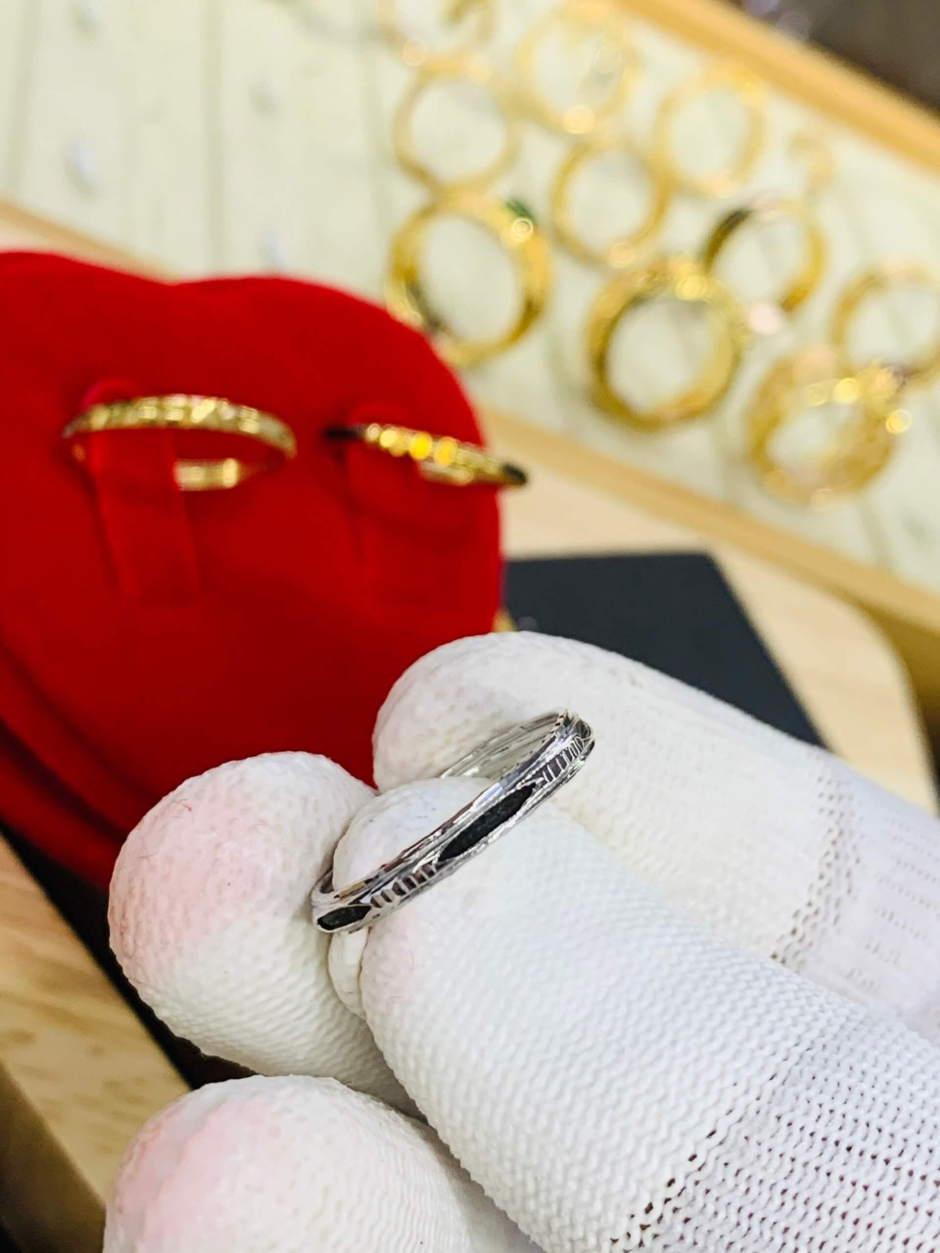 Nhẫn lông voi vàng trắng trẻ trung