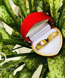 Cặp nhẫn đính đá Cz vàng phong thủy hợp mệnh đẹp
