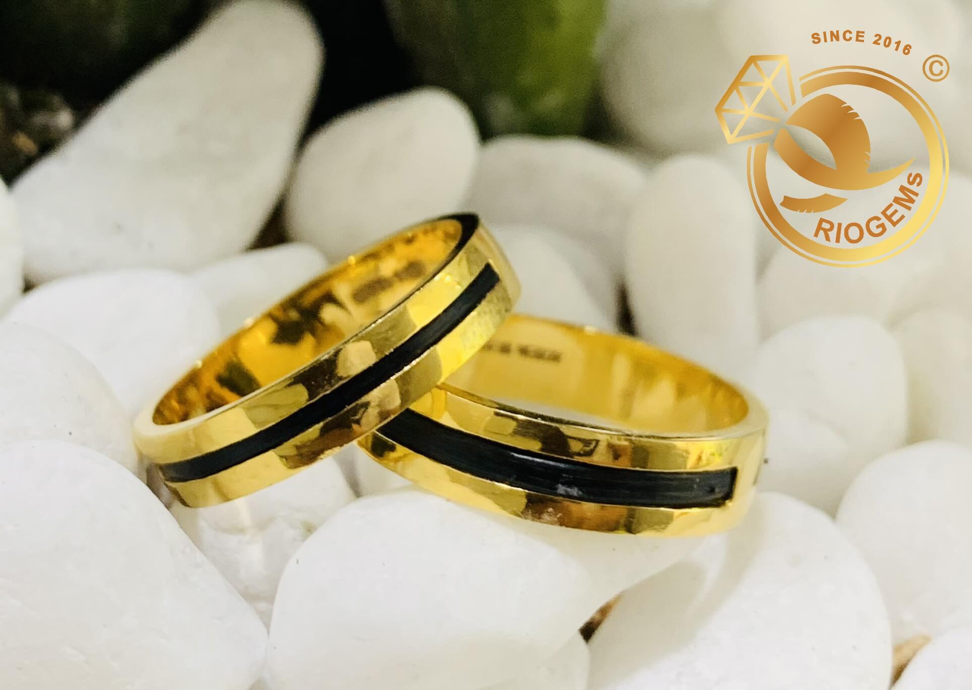 Cặp nhẫn vàng vuông đơn giản làm tay luồng 1 lông hợp mệnh