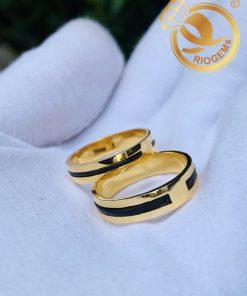 Cặp nhẫn vàng vuông đơn giản làm tay luồng 1 lông phong thủy