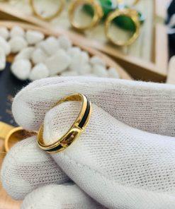 giá thành cặp nhẫn lông voi ngoài 1 sợi làm tay vàng 18K hợp lý