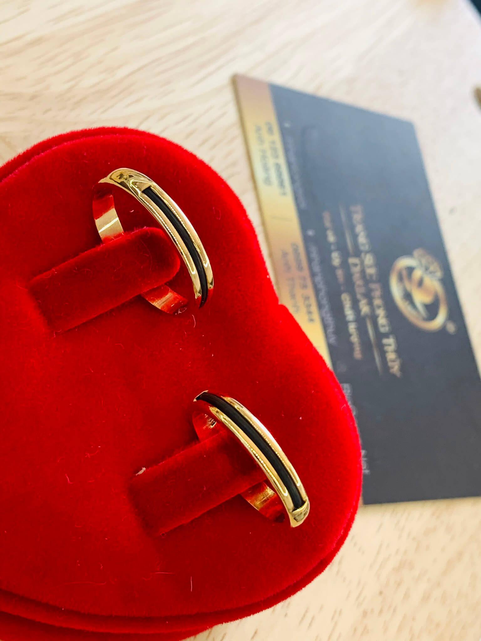 cặp nhẫn lông voi ngoài 1 sợi làm tay vàng 18K gia công trong 1 tuần