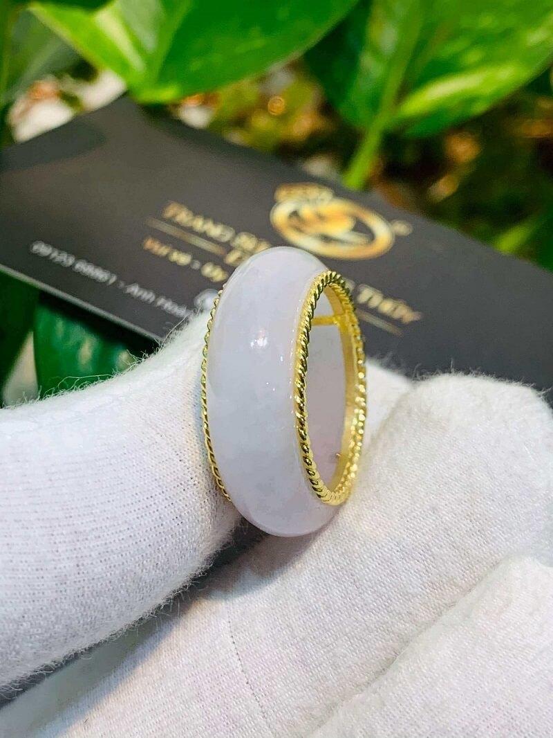 Nhẫn Bạch Ngọc bọc vàng 10K xoắn kép tinh tế