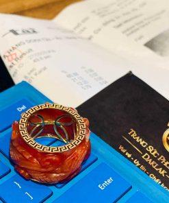 Nhẫn Cẩm Thạch Huyết chạm Rồng bảng 20li là món trang sức độc đáo