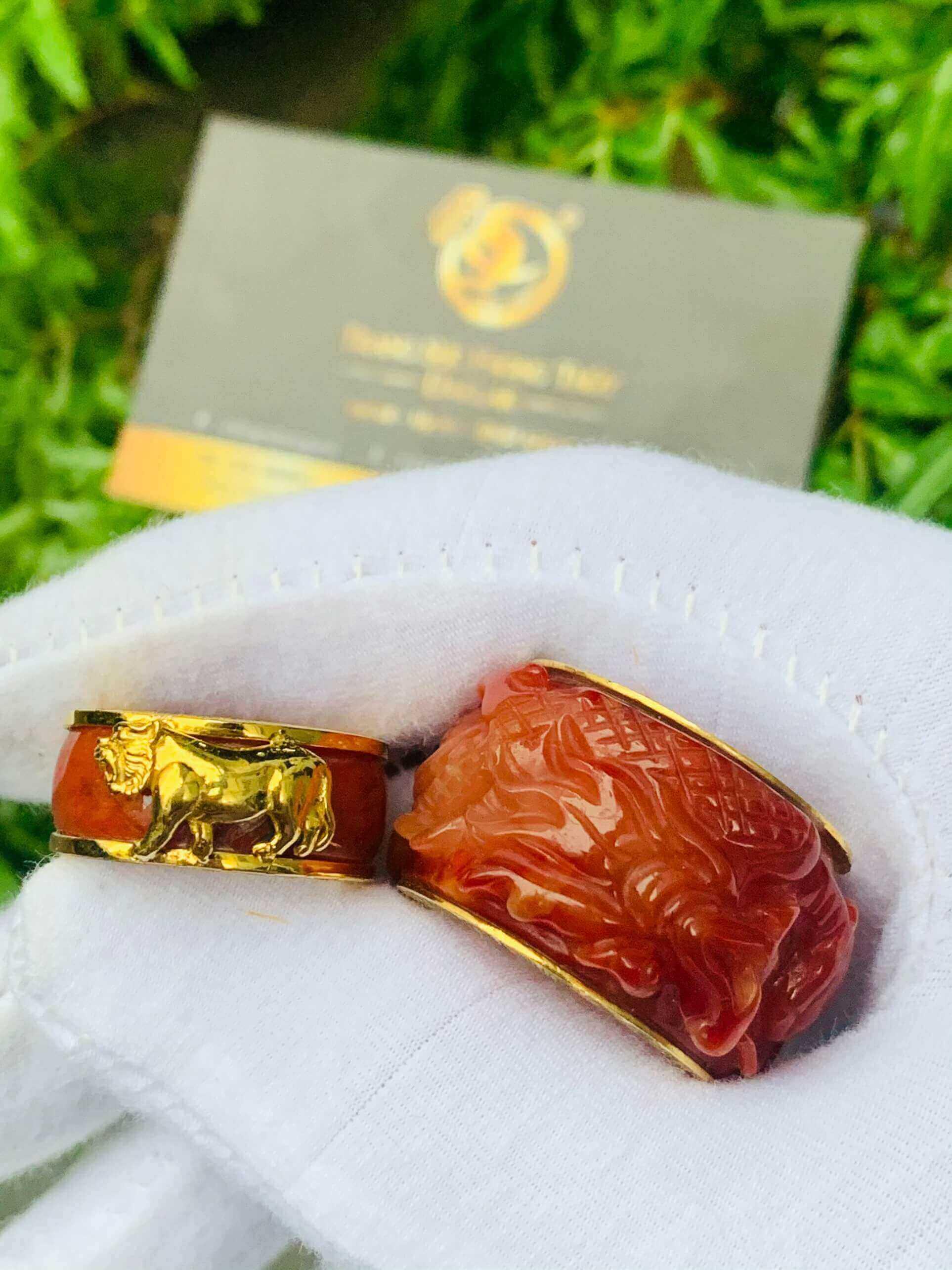 Nhẫn Cẩm Thạch Huyết bọc RỒNG CỌP vàng