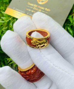 Nhẫn Cẩm Thạch Huyết bọc RỒNG CỌP vàng tăng vượng khí