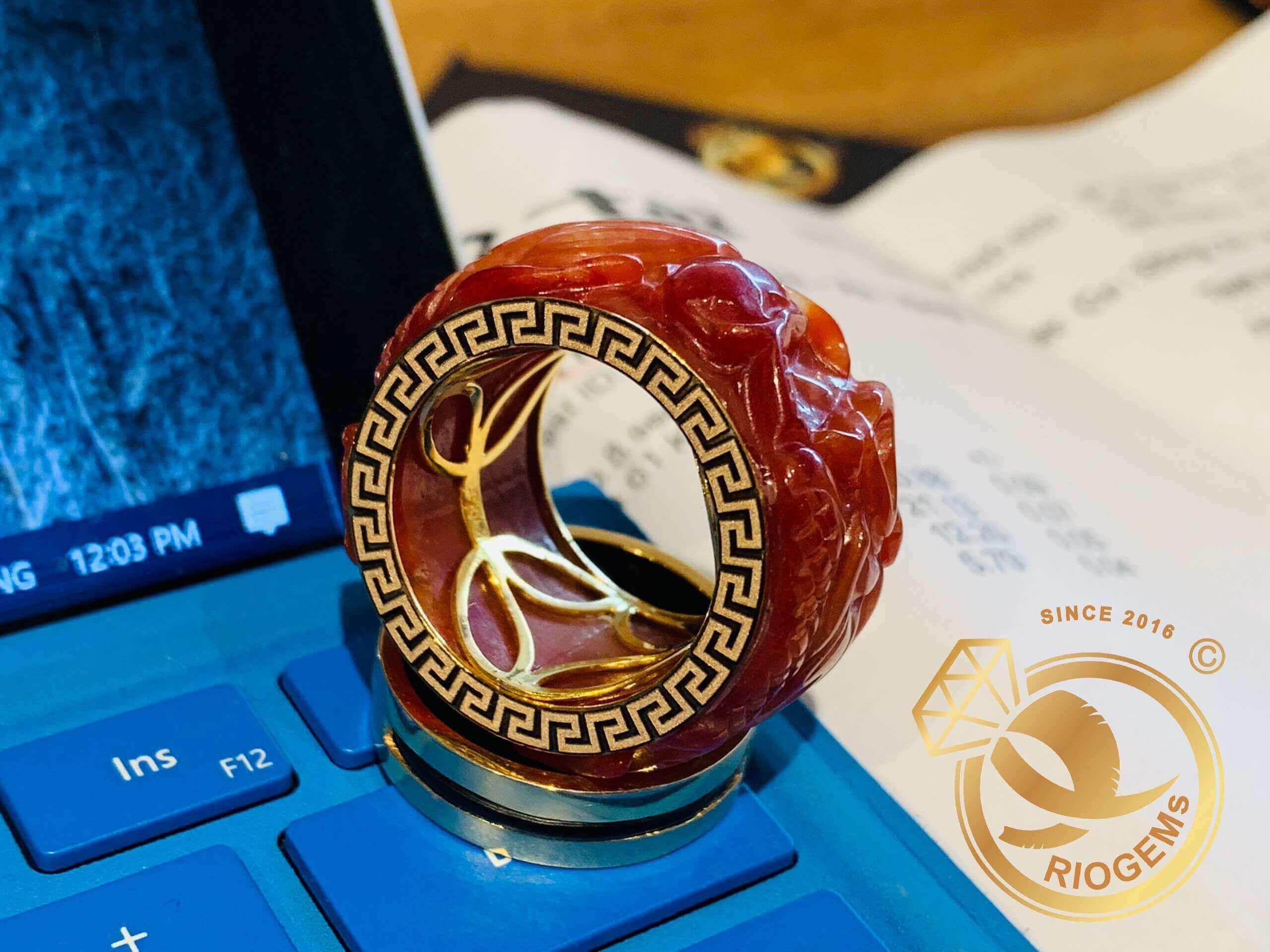 Nhẫn Cẩm Thạch Huyết chạm Rồng bảng 20li quyền lực