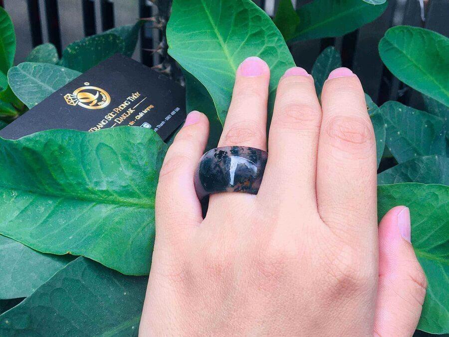 Nhẫn Càn Long Thủy Tảo hợp đeo ngón CÁI đẹp