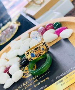 Nhẫn ĐỒNG TIỀN đính đá Cz xanh dương hợp mệnh Thủy - Mộc gia công bởi Riogems