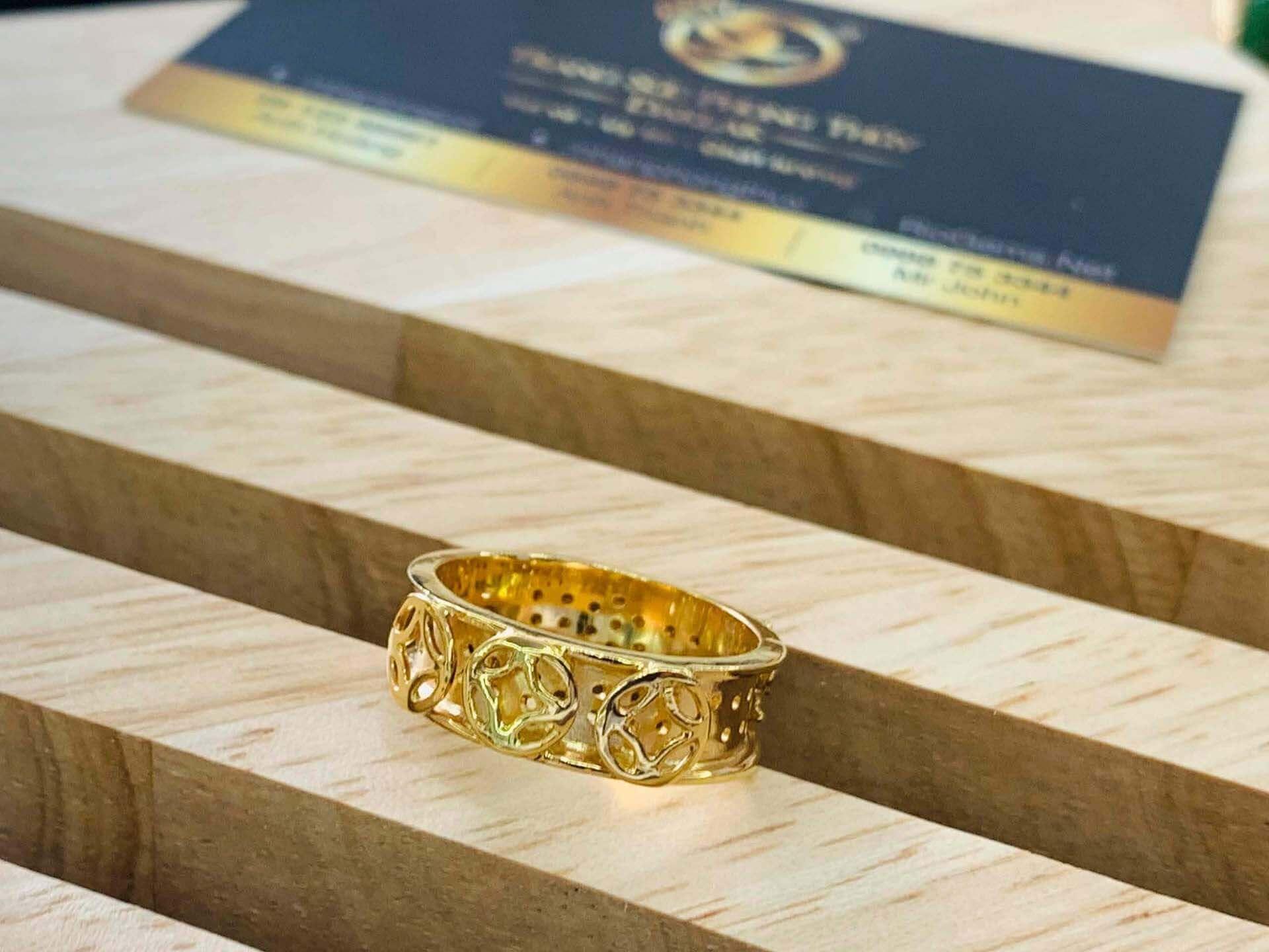 Nhẫn Nam vàng Phúc Lộc Thọ thể hiện sự uy quyền