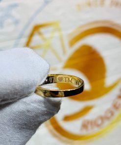 Nhẫn cưới nửa trái tim vàng 18K thể hiện tình yêu bền vững