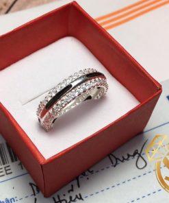 Nhẫn nữ vàng trắng đính 2 viền đá tinh tế