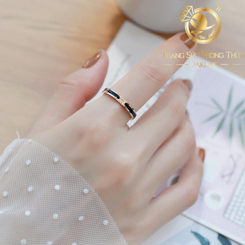 nhẫn lông voi mini làm tay đính đá Cz trắng 1 sợi lông bảo hành trọn đời