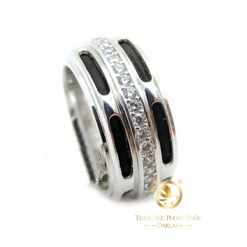 Nhẫn lông voi vàng trắng 1 hàng đá 2 hàng lông voi là sản phẩm đặc trưng của RIOGEMs